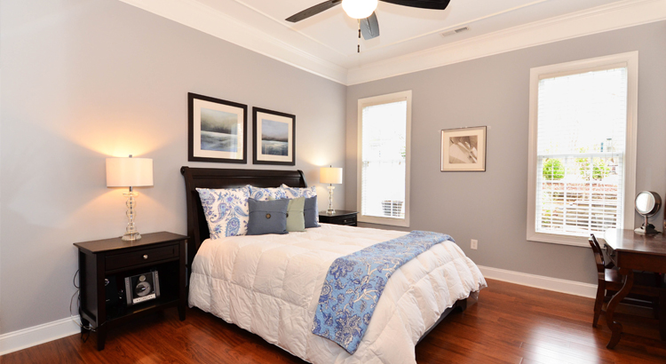 How to stage your bedroom when selling your home
